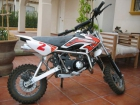 Moto 125 c.c White Knuckle Mini. Con regalo de 2  cascos de - mejor precio | unprecio.es
