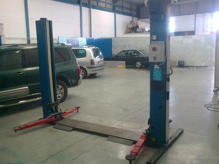 Elevador 2 columnas de coches automaq 220v mejor precio for Elevador coche ninos
