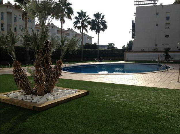 Fantastico apartamento en sitges amueblado y equipado for Piscina sitges