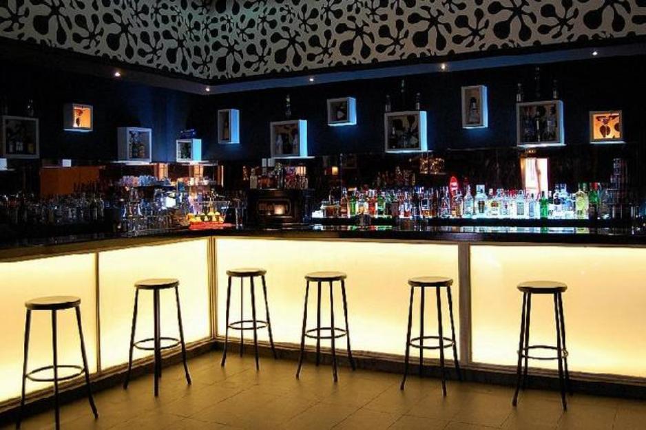 Alquiler locales para fiestas en barcelona 644515365 for Locales baratos en barcelona