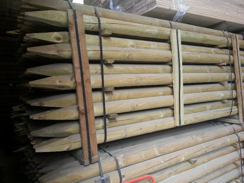 Postes de madera de pino redondos con punta mejor precio - Postes de madera ...