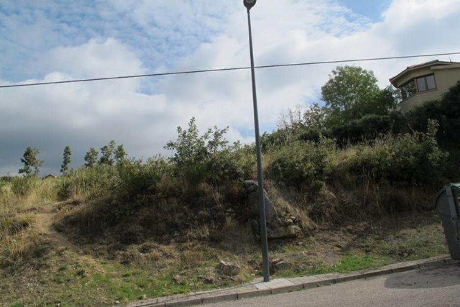 Parcela en Urbanización de lujo 840m2. aprox. PRECIO 250 €/M2 (posibilidad de negociar)