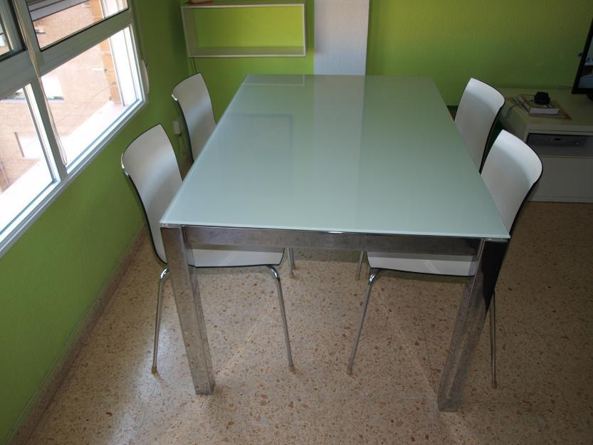 Mesa y 4 sillas comedor moderno mejor precio for Mesa 4 sillas homecenter