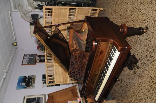 Piano cola henry herz mejor precio for Casa piano cotizacion