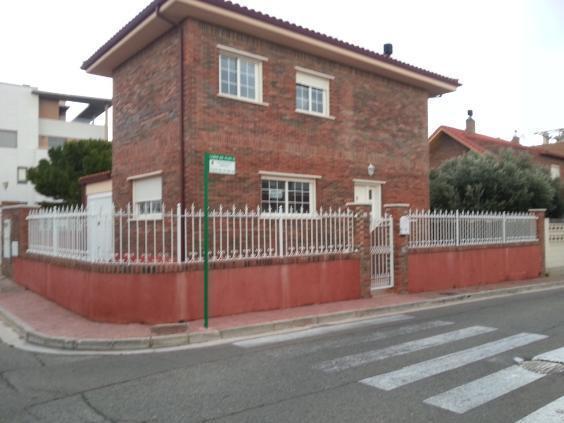 Casa Adosada En Cuarte De Huerva 1526728 Mejor Precio - Alquiler De ...