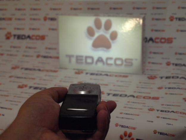 Micro Proyector de Bolsillo con Teléfono Móvil Pantalla Táctil Bluetooth Camara MP3