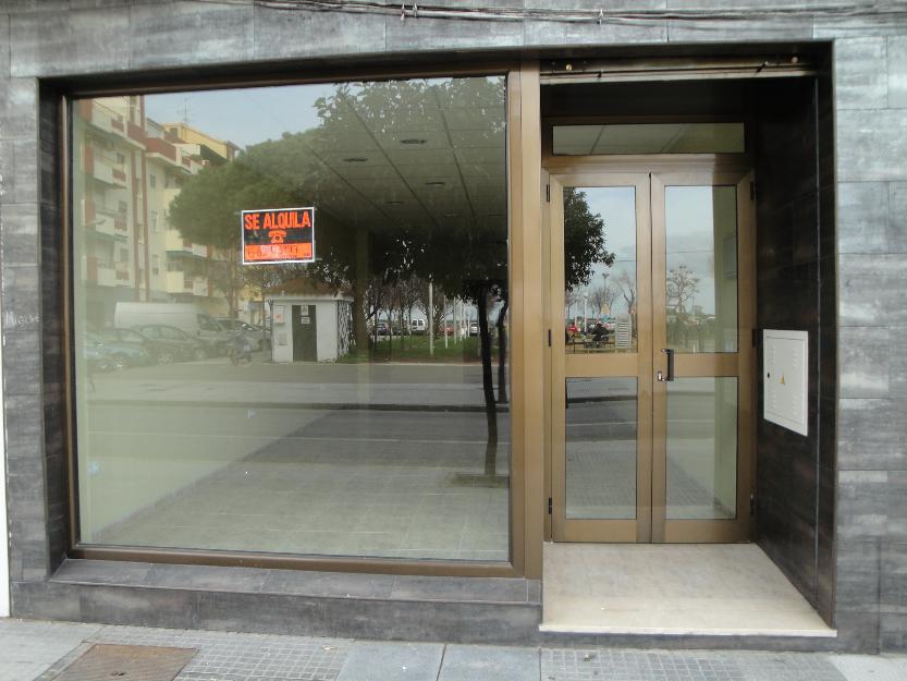 Se alquila Local Comercial en calle Ancha (Punta Umbría – Huelva)