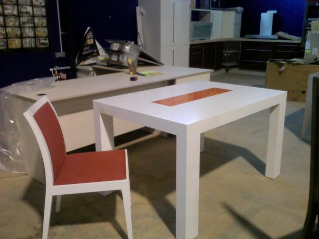 Mesa y sillas comedor 630256 mejor precio for Liquidacion mesas sillas jardin