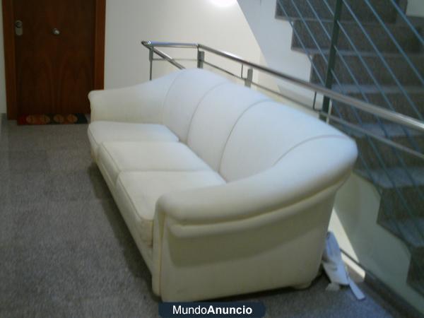 regalo sofa 100 euros 3 plazas nuevo 414823 mejor. Black Bedroom Furniture Sets. Home Design Ideas
