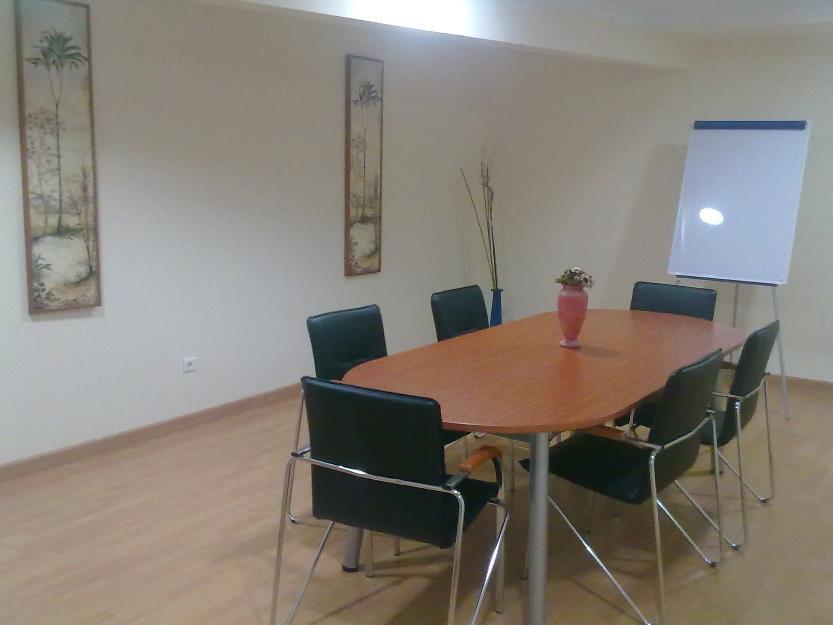 Alquiler oficinas en centro de Negocios Almaza