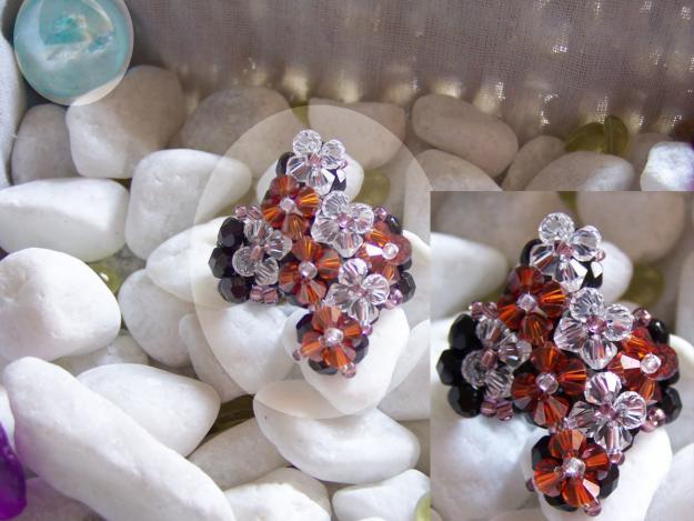Hago pulseras, anillos, pendientes, colgante de cristal swarovski. www.sinexqsa.com