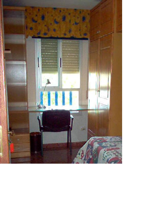 Alquilp habitacion exterior en piso compartido