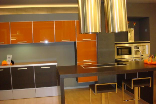 Oferta muebles cocina por cambio exposición (gama medio-alta ...