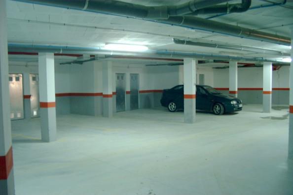 alquilo plaza de garaje en el puerto de santa maria , zona granja san javier