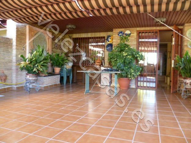 Piso en granada 1422409 mejor precio for Jardin botanico granada precio