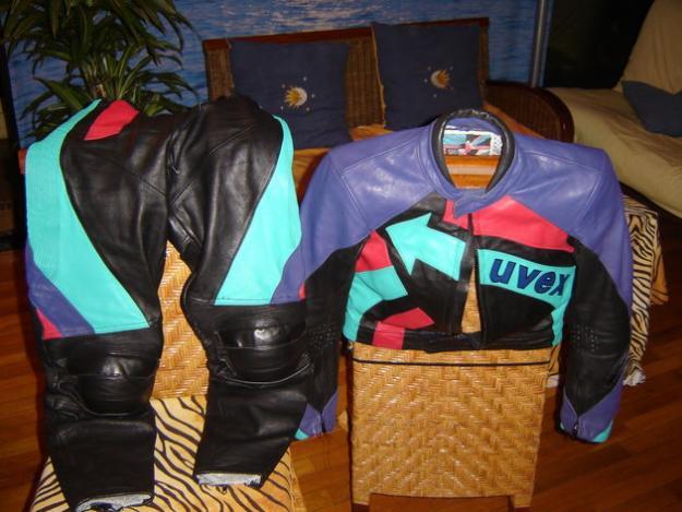 vendo traje moto chica nuevo precioso