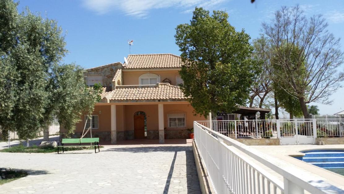Chalet 500 m2 con piscina y parcela m2 junto a - Precio m2 construccion chalet ...