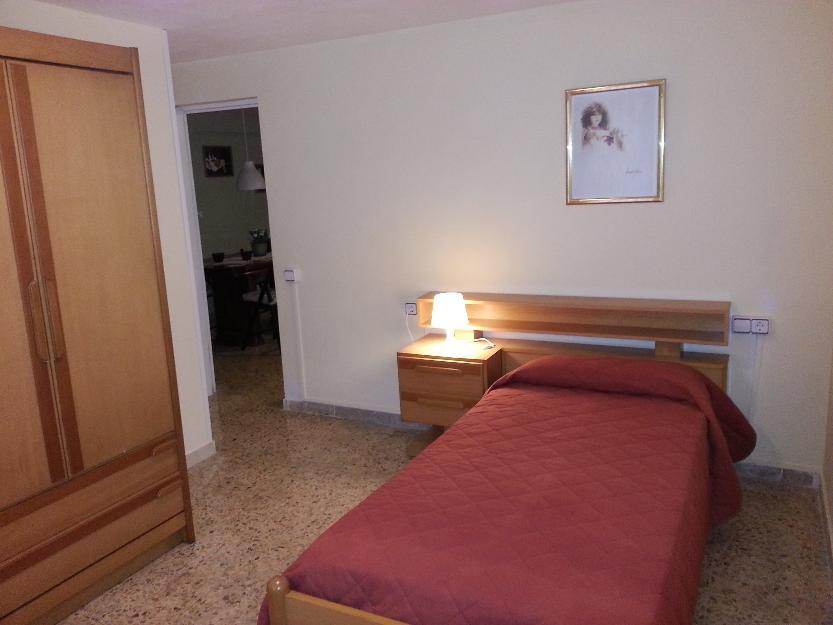Alquilo bonita habitación