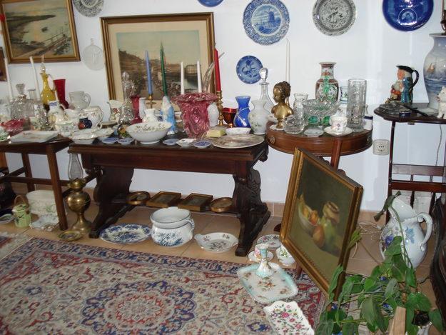 Liquidaci n total por cierre de tienda de antig edades - Muebles antiguos malaga ...