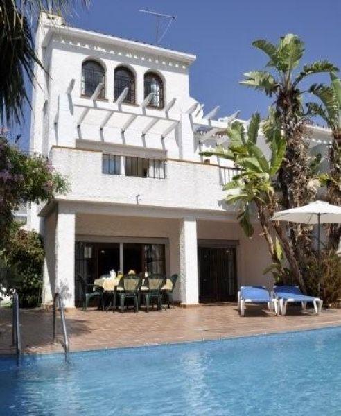 Chalet en alquiler de vacaciones en nerja m laga costa - Alquiler casa vacaciones malaga ...