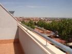 Habitación con terraza solarium a chica en dúplex - mejor precio   unprecio.es