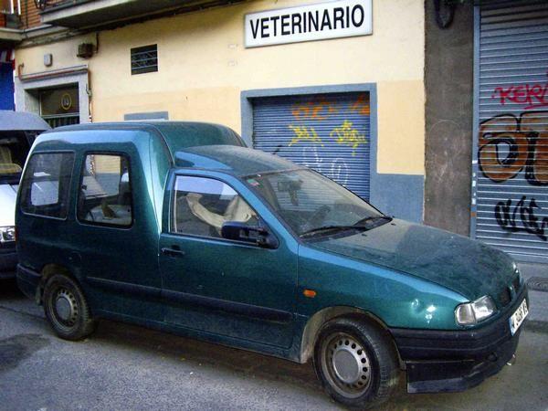 Vendo furgoneta seat inca verde azulada 1 9 mejor precio for Vendo furgoneta camper