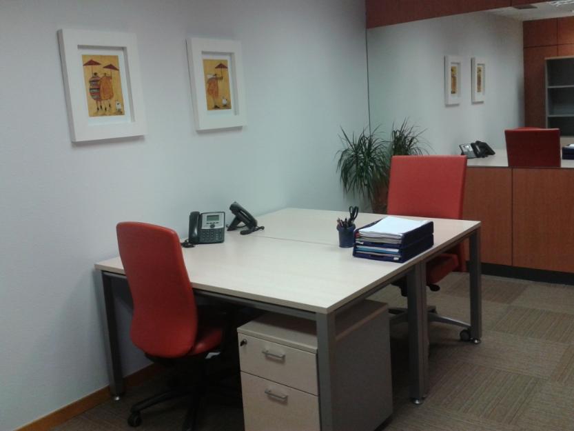 Despacho amueblado en barcelona centro mejor precio for Oficinas de trabajo temporal en barcelona