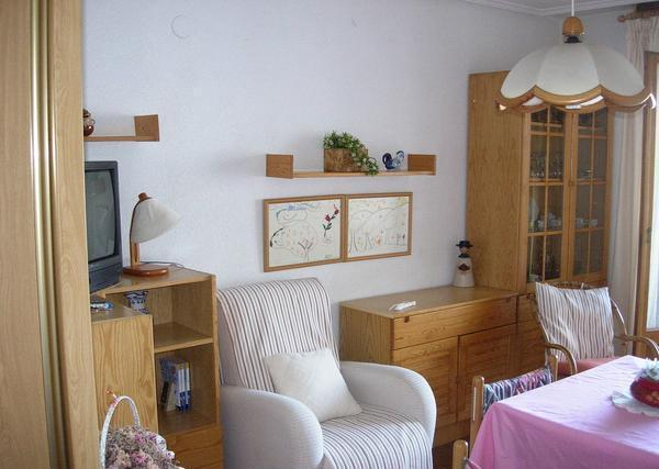 Se vende salon completo mas dos habitaciones laredo for Oferta salon completo