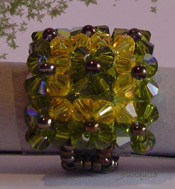 Vendo anillos hechos a mano con cristal de Swarovski