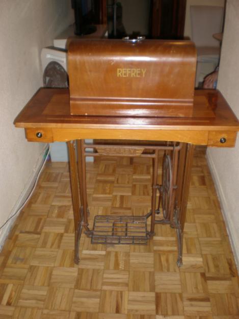 Maquina de coser con mueble refrey preferida 400 665225 mejor precio - Mueble maquina de coser ...