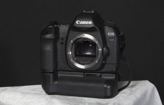 Canon eos 5d mark ii canon 24 105mm f 4 grip 182042 for Canon 5d mark ii precio