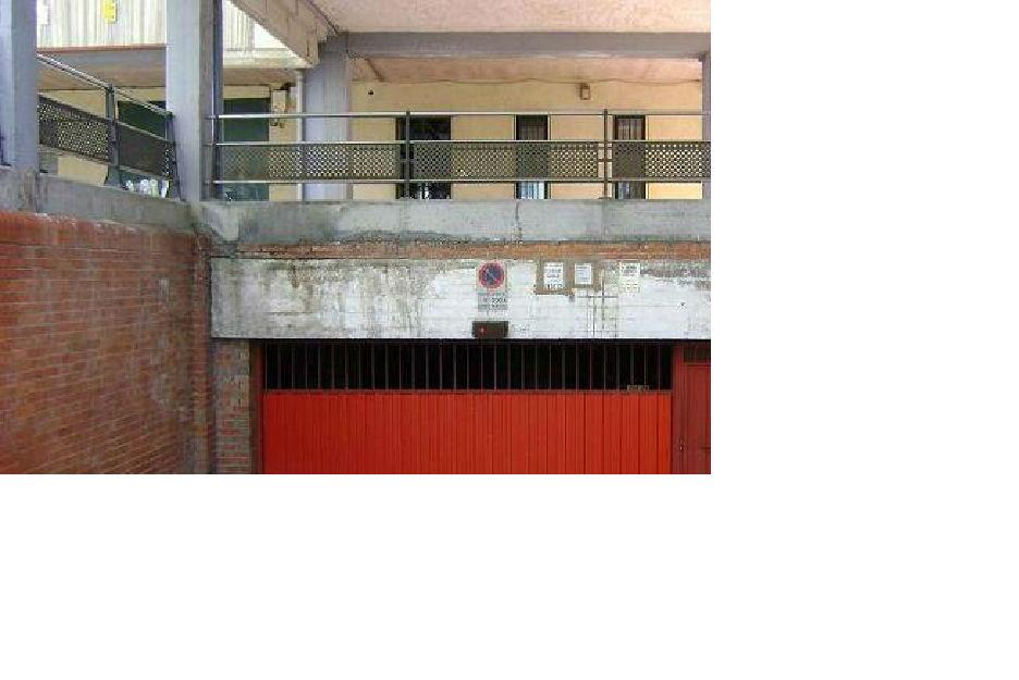 Plaza de garaje amplia y econ mica mejor precio for Se alquila plaza de garaje