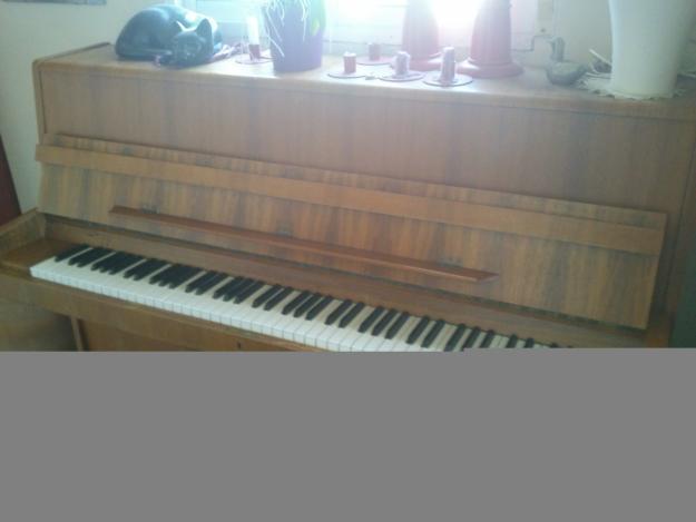 Piano de pared marca alemana 200eur mejor precio for Casa piano cotizacion