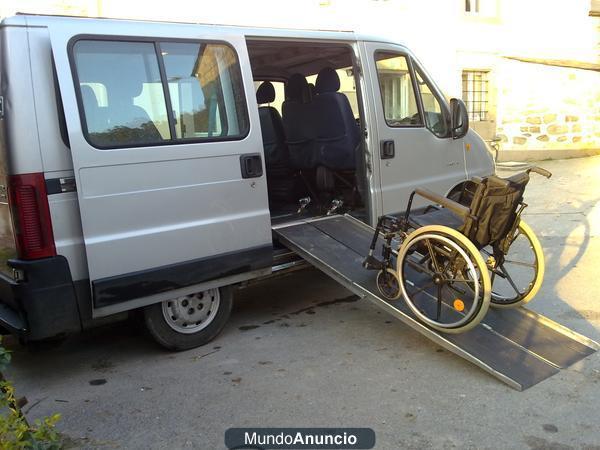 Vendo furgoneta adaptada al transporte de minusvalidos for Vendo furgoneta camper