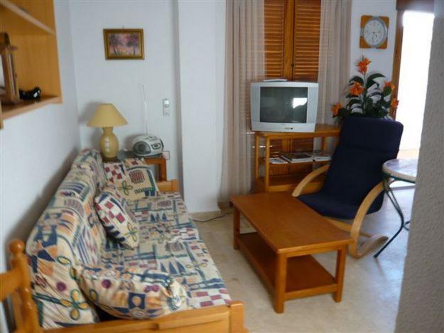 Bungalow de 50 m2 en pl. alta, 2 dorm. + 1 baño, 1 balcón + SOLARIUM DE 40 m2 = 98.000 €