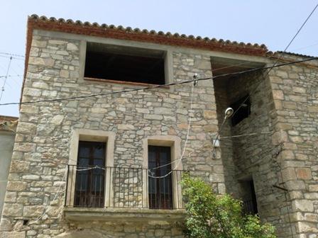 Casa de piedra para terminar unos 100 m planta 1574950 mejor precio - Construccion casa de piedra precio ...