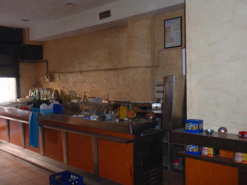cambio local con licencia hostelería por piso en Madrid
