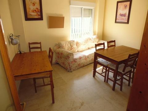 Habitación disponible en un piso de la calle San Luis