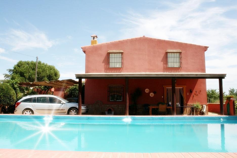 chalet con piscina 5 dormitorios 10m de sevilla san jos
