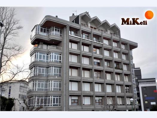V10715 piso primera linea de playa sardinero mejor - Pisos de bancos primera linea de playa ...