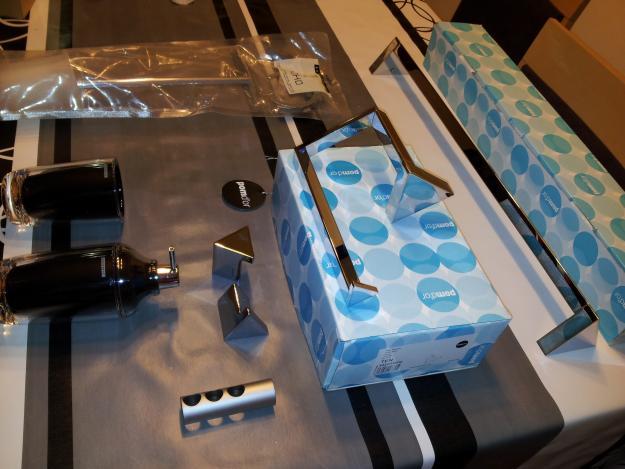 Lote de accesorios ba o cosmic pomd 39 or 181969 mejor for Accesorios bano cosmic