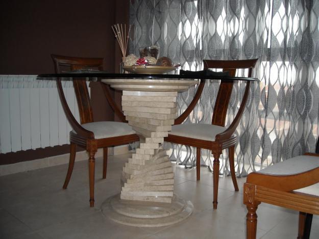 Vendo mesa comedor con pie de marmol con sus 4 sillas bien for Comedor marmol 4 sillas