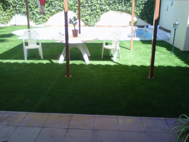 Instalacion de cesped artificial sobre tierra y soleras - Cesped artificial para terrazas ...