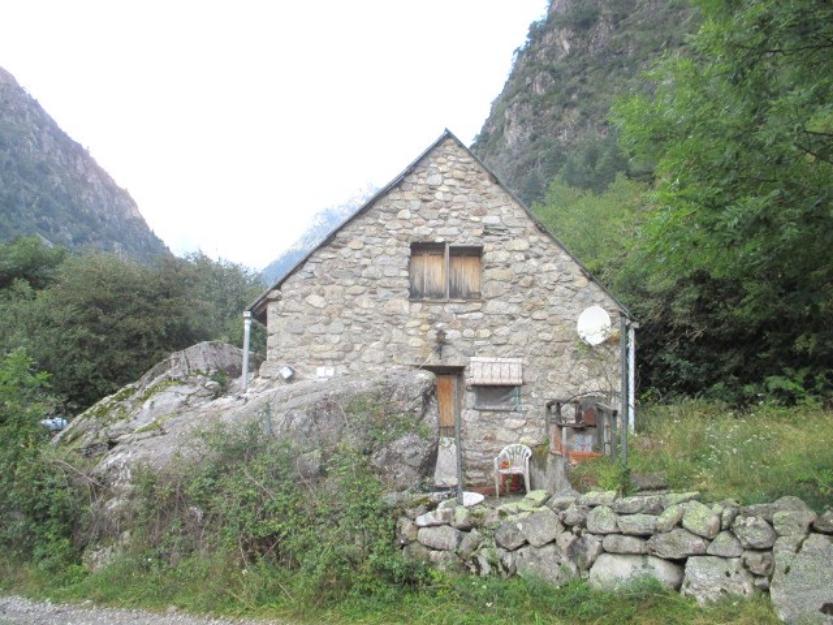 Casa de piedra con parcela 4000m2 zona bielsa mejor precio - Construccion casa de piedra precio ...