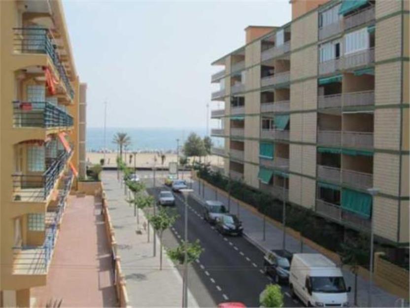 Amplio piso a 50m de la playa con vistas al mar mejor for Pisos con vistas al mar