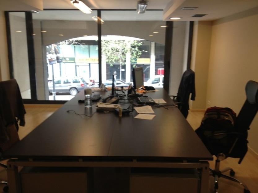 100 compartimos oficina en la zona de eixample for Oficinas de trabajo temporal en barcelona