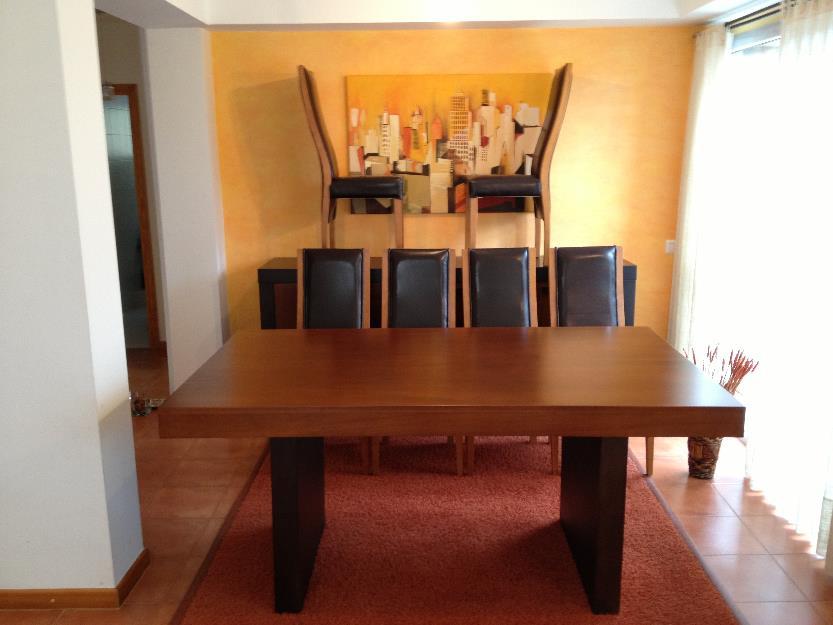 Mesa comedor con seis sillas y aparador mejor precio for Precio sillas comedor