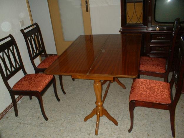 Juego de comedor mesa y4 sillas talladas mejor precio for Precio mesa comedor
