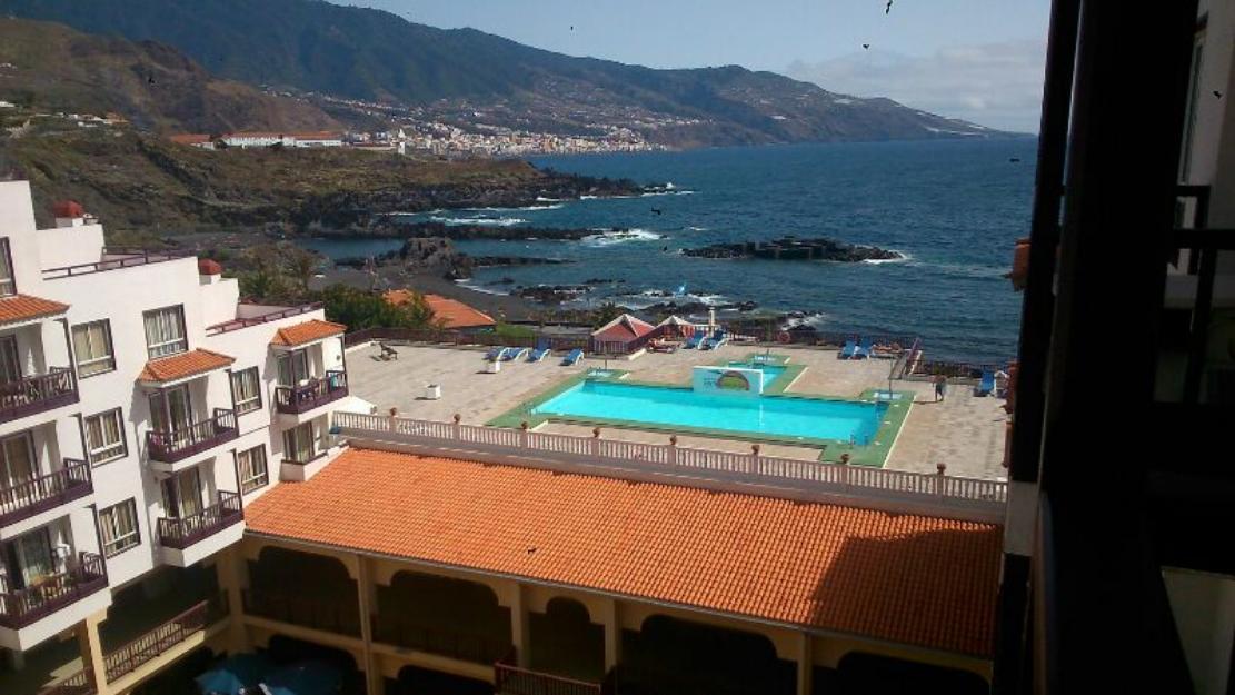 Alquilo apartamento con vistas piscina y playa mejor for Apartamentos con piscina y playa