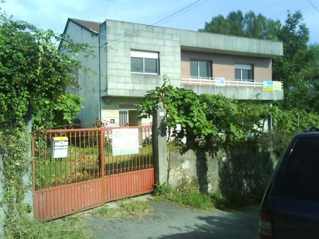 Vendo casa en la entrada de villagarcia de arosa con finca for Vendo caseta jardin segunda mano